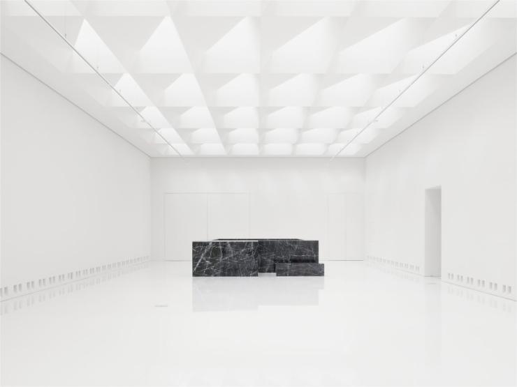 KAAN Architecten geeft kunstmuseum in Antwerpen hard contrast van klassieke zalen en radicale eenvoud